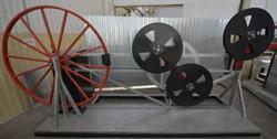 Устройство для проверки стойкости к многократному перегибу проводов и шнуров сечением жил свыше 4 мм2 через систему роликов МТ 220. ГОСТ 12182.1-80 - фото 6517