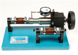 Аппарат для измерения жесткости испытуемого образца материала верха обуви STD 704